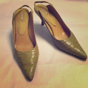 FINAL SALE Green gator embossed slingback heels